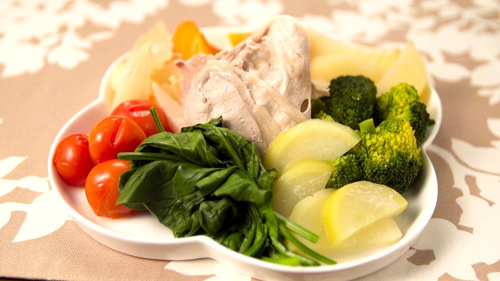 栄養満点!ハーブ豚と有機野菜の簡単蒸し