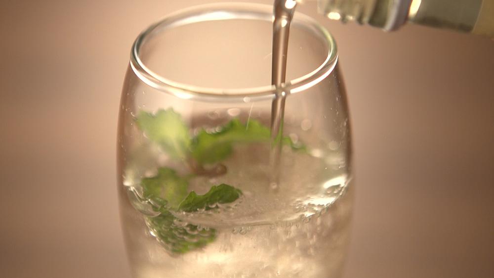エルダーフラワーの炭酸水